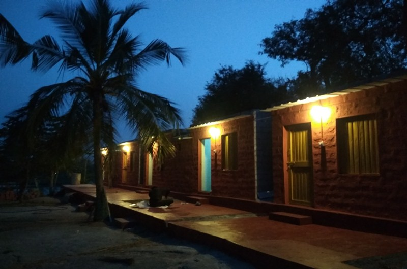 Gowri Resort-Deluxe Room